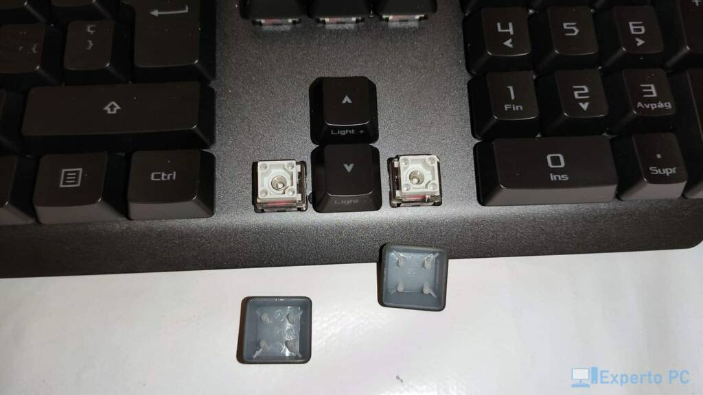 Asus Rog Strix Scope RX keycaps 26