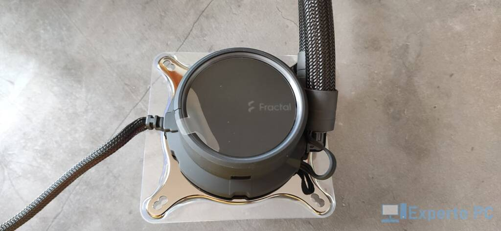 Fractal Design Celsius+ S28 Dynamic Bomba, detalle