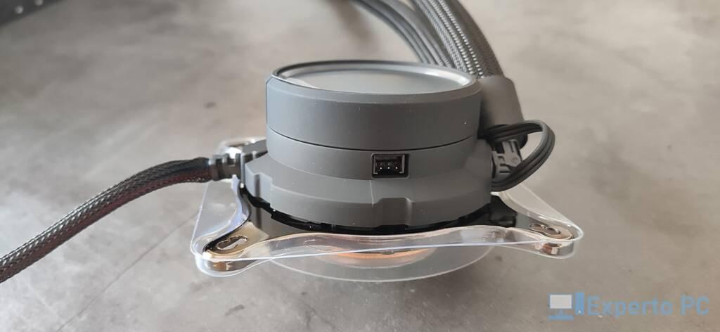 Fractal Design Celsius+ S28 Dynamic bomba conector