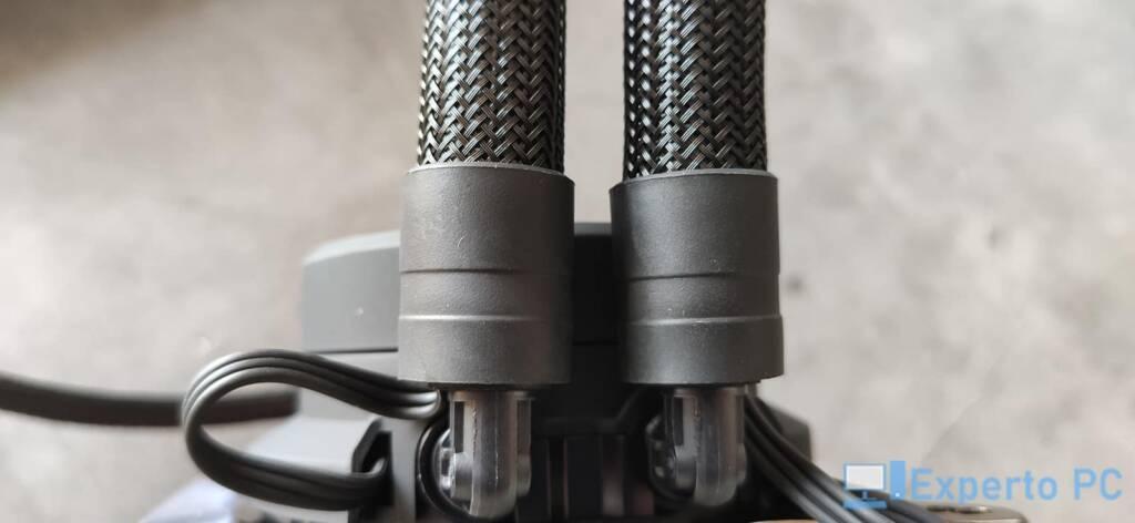 Fractal Design Celsius+ S28 Dynamic tubos rotacion