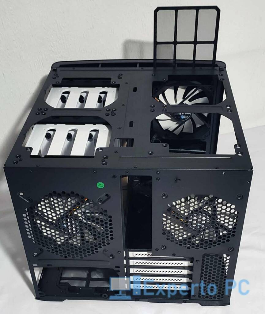 Fractal Design Node 804 vista superior