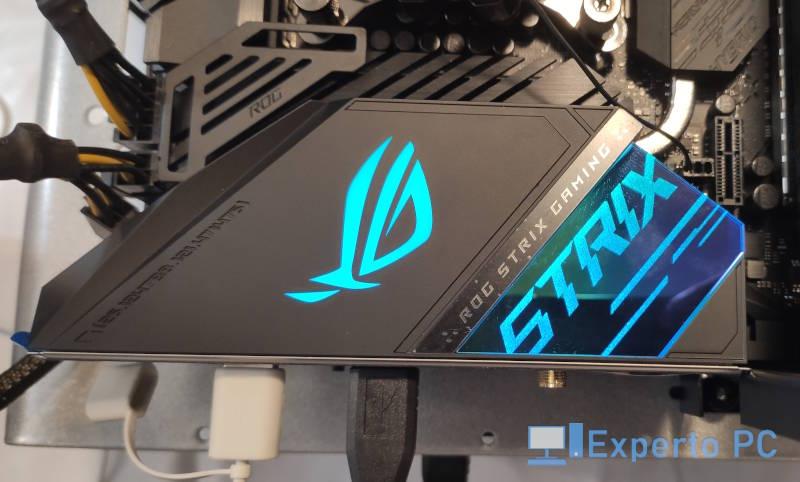 asus-rog-strix-z490-e-gaming-review-pantalla-oled